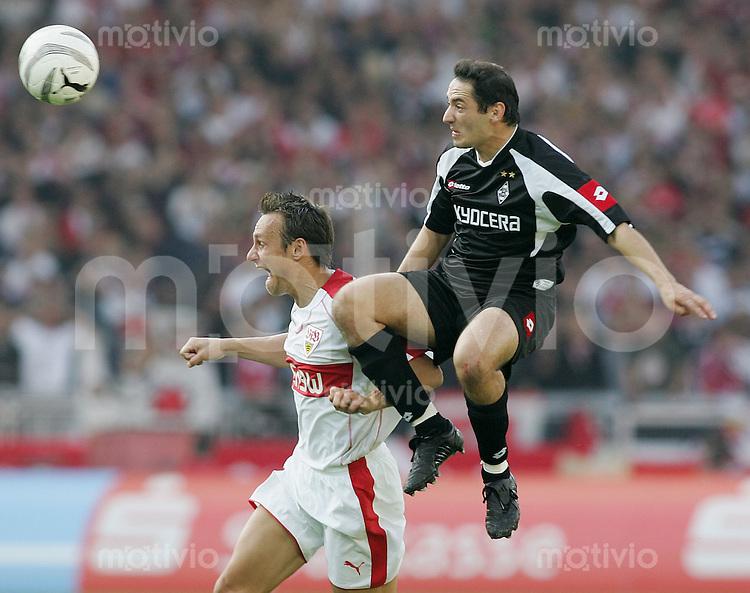 Fussball 1. Bundesliga 2005/2006 9. Spieltag VfB Stuttgart -Borussia M`Gladbach Heiko Gerber (VFB,li) gegen Oliver Neuville (B,re)