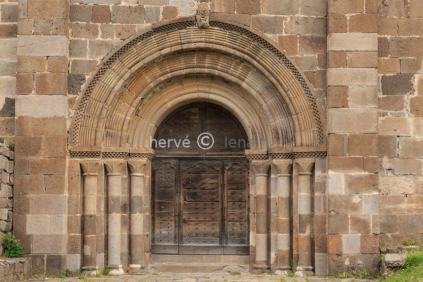 France, Cantal (15), Albepierre-Bredons, église de Bredons // France, Cantal, Albepierre Bredons, Bredons church