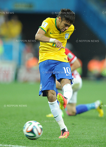 Neymar (BRA), JUNE 12, 2014 - Football / Soccer : Neymar of Brazil scores their 1st goal during the FIFA World Cup Brazil 2014 Group A match between Brazil 3-1 Croatia at Arena de Sao Paulo in Sao Paulo, Brazil. (Photo by SONG Seak-In/AFLO)