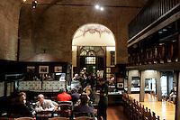 Interno del Ca'de Ven, ristorante ed enoteca di Ravenna.<br /> Interior of Ca' de Ven restaurant and wine bar in Ravenna.<br /> UPDATE IMAGES PRESS/Riccardo De Luca