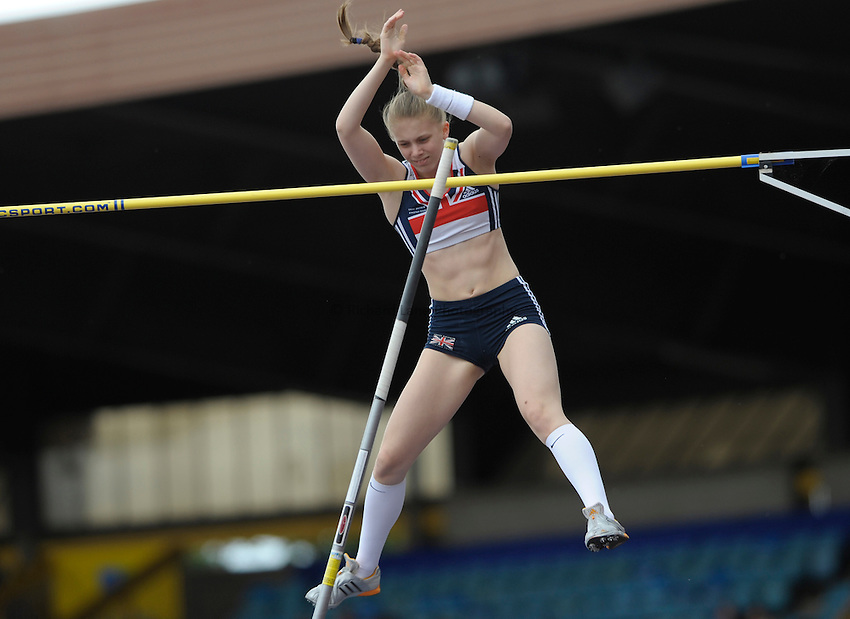 Photo: Ady Kerry/Richard Lane Photography. Aviva National Championships, Incorporating the Team GB Selection Trials, Birmingham. 12/07/2008..Sally Scott in the women's pole vault competition.