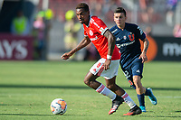 4th February 2020; National Stadium of Chile, Santiago, Chile; Libertadores Cup, Universidade de Chile versus Internacional; Pablo Aránguiz of Universidad de Chile chases the break by Edenilson of Internacional