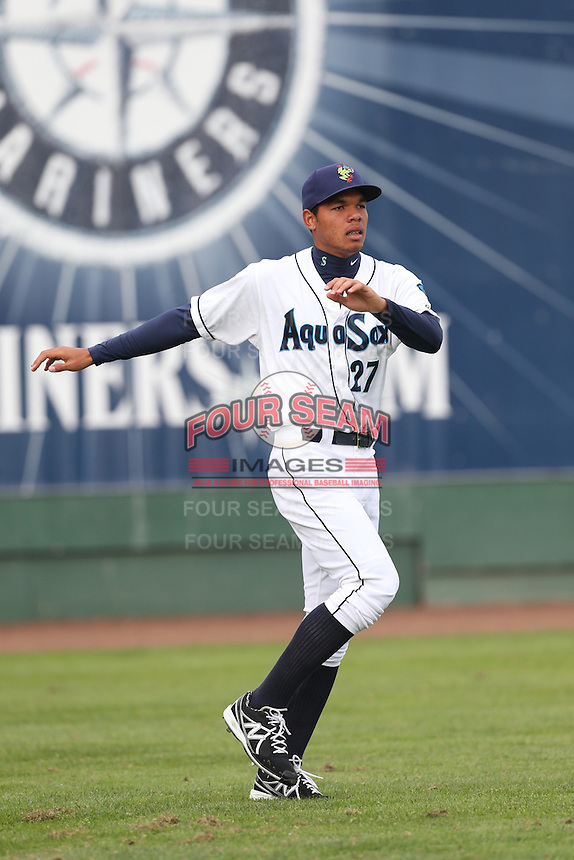 Jefferson Medina #27 of the Everett AquaSox warms up before pitching against the Boise Hawks at Everett Memorial Stadium on July 22, 2014 in Everett, Washington. Everett defeated Boise, 6-0. (Larry Goren/Four Seam Images)