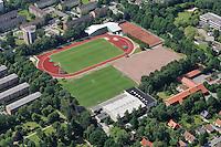 Sportzentrum Reinbek : DEUTSCHLAND, SCHLESWIG-HOLSTEIN, REINBEK21.06.2010: Sportzentrum Reinbek, Sporthalle, Dach, Sportplatz, Uwe Plog Halle, Einsturzgefahr, Luftbild, Luftaufnahme, Air .c o p y r i g h t : A U F W I N D - L U F T B I L D E R . de G e r t r u d - B a e u m e r - S t i e g 1 0 2, 2 1 0 3 5 H a m b u r g , G e r m a n y P h o n e + 4 9 (0) 1 7 1 - 6 8 6 6 0 6 9 E m a i l H w e i 1 @ a o l . c o m w w w . a u f w i n d - l u f t b i l d e r . d e K o n t o : P o s t b a n k H a m b u r g B l z : 2 0 0 1 0 0 2 0 K o n t o : 5 8 3 6 5 7 2 0 9 , V e r o e f f e n t l i c h u n g n u r m i t H o n o r a r n a c h M F M, N a m e n s n e n n u n g u n d B e l e g e x e m p l a r !