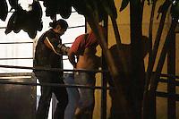 SÃO PAULO,SP,07.05.2015-CRIME PAVILHÃO NOVE-Foi levado ao IML um suspeito de participação na chacina na quadra da torcida Pavilhão Nove do Corinthians no começo desta noite de quinta-feira(07),Informações preliminares apontam ser um ex policial militar. (Foto Marcio Ribeiro / Brazil Photo Press).