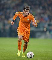 FUSSBALL   CHAMPIONS LEAGUE   SAISON 2013/2014   Vorrunde   Juventus Turin - Real Madrid     05.11.2013 Gareth Bale (Real Madrid) am Ball