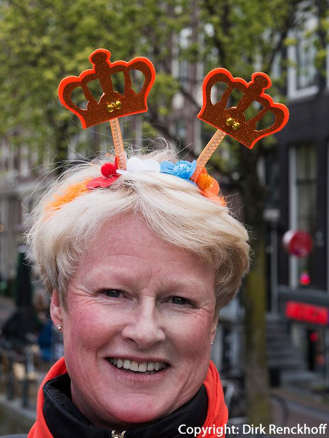 am Oudezijdrs Vorburgwal  am K&ouml;nigstag in Amsterdam, Provinz Nordholland, Niederlande<br /> Kings Day at Oudezijdrs Vorburgwal , Amsterdam, Province North Holland, Netherlands