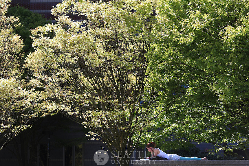 04302014- Spring on campus