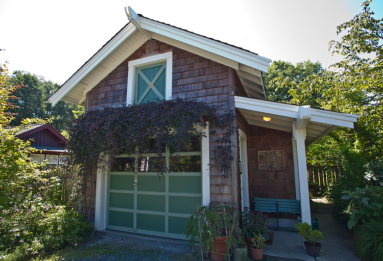 Cottage architecture whidbey island washington state for Cottage home company