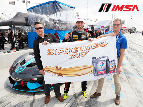 IMSA Continental Tire SportsCar Challenge<br /> Continental Tire 120 at The Glen<br /> Watkins Glen International, Watkins Glen, NY USA<br /> Friday 30 June 2017<br /> Total Pole Award winner 76, McLaren, McLaren GT4, GS, Paul Holton<br /> World Copyright: Michael L. Levitt/LAT Images