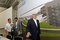 SAO PAULO,SP, 04.11.2015 - HADDAD-SP -Chefe da Formula 1, Bernie Ecclestone, durante a visita as obras de modernização do Autódromo José Carlos Pace, em Interlagos, zona sul da cidade de São Paulo, nesta quarta-feira, 04.  (Foto: Douglas Pingituro/Brazil Photo Press)