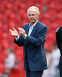 Sven Goran Eriksson applauds the traveling fans
