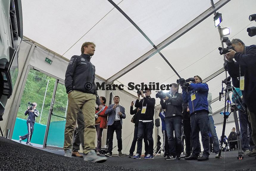Formel1 Pilot Nico Roßberg - Pressekonferenz der Deutschen Nationalmannschaft  zur WM-Vorbereitung in St. Martin