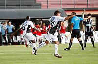 GUARULHOS, SP, 08 JANEIRO 2011 - COPA SAO PAULO DE FUTEBOL JUNIOR 2012 - <br /> Jogadores da Ponte Preta comemoram gol durante partida entre as equipes do Figueirense -SC x Ponte Preta realizada no Est&aacute;dio Municipal Ant&ocirc;nio Soares de Oliveira Guarulhos (SP), v&aacute;lida pela 2&ordf; Rodada do Grupo X da Copa S&atilde;o Paulo de Futebol Junior 2012, neste domingo (08). (FOTO: ALE VIANNA - NEWS FREE).