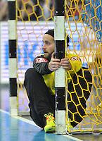 Handball - All Star Game 2014 am 01.02.2014 in der Arena Leipzig (Sachsen). Wie bereits in den Vorjahren misst sich die Handball Nationalmannschaft mit einer Auswahl von Spielern der DKB Handball-Bundesliga. <br /> IM BILD: Silvio Heinevetter (Nationalmannschaft Torwart) sitzt im Tor. <br /> Foto: Christian Nitsche