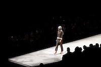 JAKARTA, SP, 10.03.2016 - MODA-INDONÉSIA - Modelo durante desfile da grife Janahara no Indonésia Fashion Week em Jakarta na Indonésia, nesta quinta-feira, 10. (Foto: Rahmat Azhar Hutomo/Brazil Photo Press)