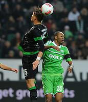 FUSSBALL   1. BUNDESLIGA    SAISON 2012/2013    13. Spieltag   VfL Wolfsburg - SV Werder Bremen                          24.11.2012 Sebastian Proedl (li, SV Werder Bremen) gegen Naldo (re, VfL Wolfsburg)