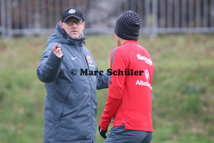 Trainer Thomas Schaaf mit Makoto Hasebe (Eintracht) - Eintracht Frankfurt Training, Commerzbank Arena