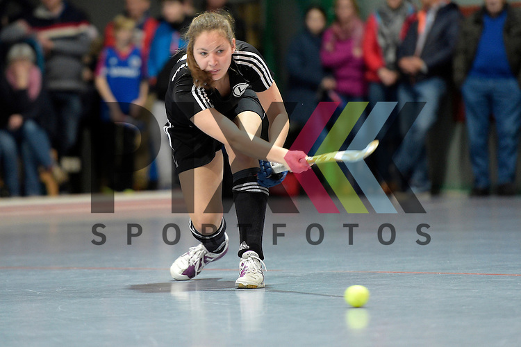 GER - Mannheim, Germany, January 30: During the 1. Bundesliga Damen indoor hockey quarter final match between Mannheimer HC (blue) and TuS Lichterfelde (black) on January 30, 2016 at Irma-Roechling-Halle in Mannheim, Germany.  <br /> <br /> Foto &copy; PIX-Sportfotos *** Foto ist honorarpflichtig! *** Auf Anfrage in hoeherer Qualitaet/Aufloesung. Belegexemplar erbeten. Veroeffentlichung ausschliesslich fuer journalistisch-publizistische Zwecke. For editorial use only.