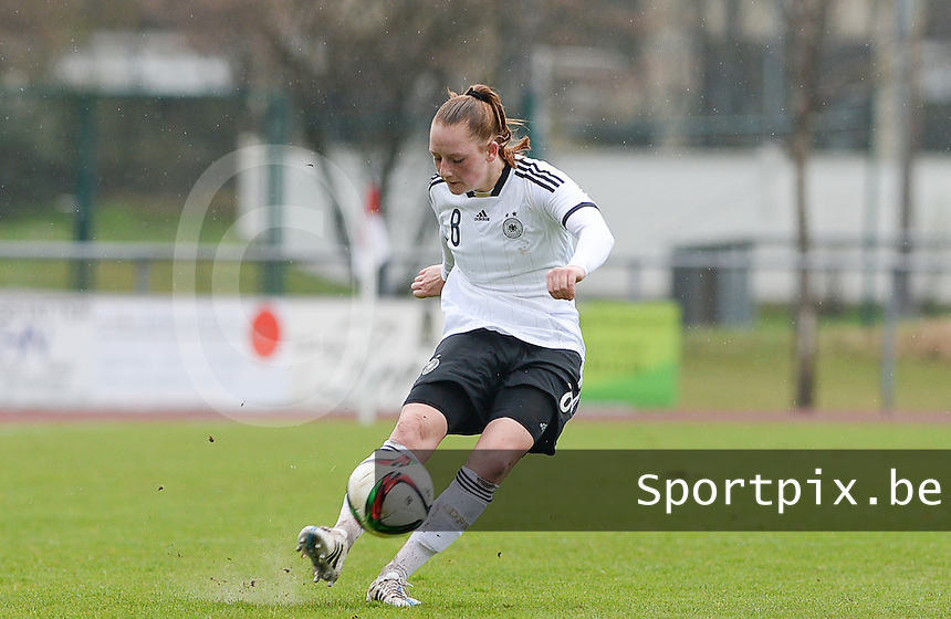 20150404 - FORST , GERMANY  : German Jenny Gaugigl  pictured during the soccer match between Women Under 19 teams of Germany and Scotland , on the first matchday in group 5 of the UEFA Elite Round Women Under 19 at WaldseeStadion , Forst , Germany . Saturday 4th April 2015 . PHOTO DAVID CATRY