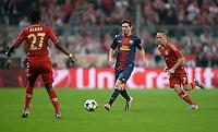 FUSSBALL  CHAMPIONS LEAGUE  HALBFINALE  HINSPIEL  2012/2013      FC Bayern Muenchen - FC Barcelona      23.04.2013 David Alaba (li) und Franck Ribery (re, beide FC Bayern Muenchen) gegen Lionel Messi (Mitte, Barca)
