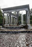 Löwen-Kaskade im Park des Peterhof, St. Petersburg, Russland, UNESCO-Weltkulturerbe