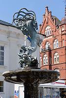 Brunnen am Stortorget, Ystad, Provinz Skåne (Schonen), Schweden, Europa<br /> Fountain at Stortorget  in Ystad, Sweden