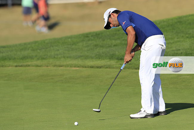 Pablo Larrazabal (ESP) putts on the 14th green during Thursday's Round 1 of the 2016 Portugal Masters held at the Oceanico Victoria Golf Course, Vilamoura, Algarve, Portugal. 19th October 2016.<br /> Picture: Eoin Clarke   Golffile<br /> <br /> <br /> All photos usage must carry mandatory copyright credit (&copy; Golffile   Eoin Clarke)