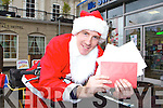 Killarney postman Andrew Kennelly who delivered the mail in a Santa suit in conjunction with the Today fm Ray Darcy radio show on Friday    Copyright Kerry's Eye 2008