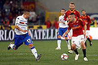 Calcio, Serie A: Roma vs Sampdoria. Roma, stadio Olimpico, 25 aprile 2010..Football, Italian serie A: Roma vs Sampdoria. Rome, Olympic stadium, 25 april 2010. Sampdoria midfielder Angelo Palombo, left, challenges AS Roma Jeremy Menez, of France..UPDATE IMAGES PRESS/Riccardo De Luca