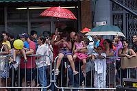 SAO PAULO, SP, 02 DE FEVEREIRO DE 2013 - ANO NOVO CHINES -  Movimentacao da festa do Ano Novo Chines, na Praca da Liberdade, zona cental da capital. FOTO RICARDO LOU - BRAZIL PHOTO PRESS