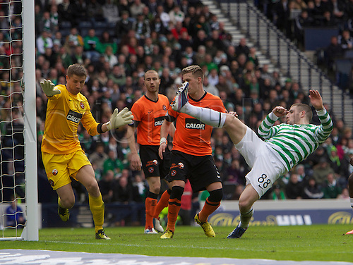 14.03.2013 Glasgow, Scotland.   Gary Hooper of Celtic comes close to scoring during the Semi Final of the 2013 William Hill Scottish Cup, from Hampden Park Stadium, Glasgow.