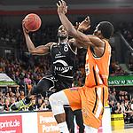 12.05.2019, ratiopharm arena, Neu-Ulm, GER, BBL, rathiopharm ulm vs RASTA Vechta, <br /> im Bild Josh Young (Vechta, #8), Javonte Green (Ulm, #5)<br /> <br /> Foto &copy; nordphoto / Hafner