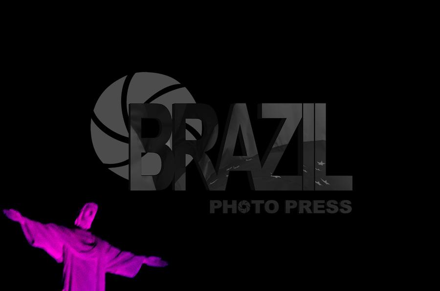 Rio de Janeiro (RJ), 02/10/2019 - Outubro Rosa / Cristo Redentor - O monumento Cristo Redentor recebe nesta quarta-feira(02) iluminação de cor rosa para marcar o início da campanha Outubro Rosa, que divulga informações sobre o cancer de mama. Bairro de Botafogo, zona sul do Rio de Janeiro ( Foto: Vanessa Ataliba/Brazil Photo Press)