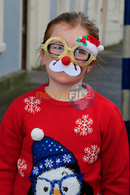 Amy Boardman at the Drogheda Christmas Bonanza santa parade<br /> Picture: Fran Caffrey www.newsfile.ie