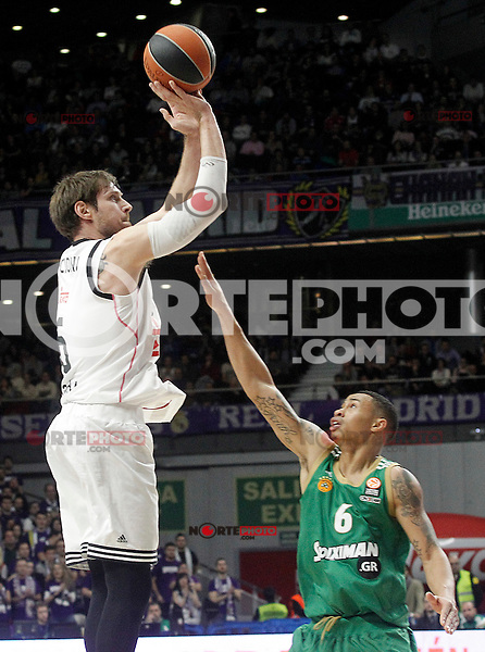 Real Madrid's Andres Nocioni (l) and Panathinaikos Athens' A.J. Slaughter during Euroleague match.January 22,2015. (ALTERPHOTOS/Acero) /NortePhoto<br />