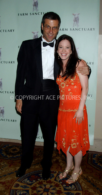 WWW.ACEPIXS.COM . . . . . ....NEW YORK, MAY 20, 2006....Gene Bauston and Amy Davidson at the Farm Sanctuary's 20th Anniversary Gala For Farm Animals... ....Please byline: KRISTIN CALLAHAN - ACEPIXS.COM.. . . . . . ..Ace Pictures, Inc:  ..(212) 243-8787 or (646) 679 0430..e-mail: picturedesk@acepixs.com..web: http://www.acepixs.com