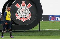 SAO PAULO, SP, 31 DE JANEIRO DE 2012.O jogador Adriano durante Treino do Corinthians no CT Joaquim Grava   - Cangaíba, São Paulo,Brasil(FOTO: ADRIANO LIMA - NEWS FREE)