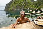 Pécheurs semi nomades Tagbanua. Ile de Coron. Archipel de Calamian au nord de Palawan. Philippines.