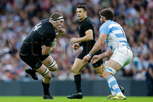 20.09.2015. London, England. Rugby World Cup. New Zealand versus Argentina.  New Zealand second row Brodie Retallick charges to towards Argentina flanker Juan Martin Fernandez Lobbe