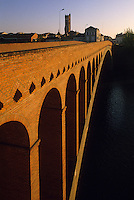 Europe/France/Aquitaine/47/Lot-et-Garonne/Villeneuve-sur-Lot : Pont Neuf et Eglise Sainte-Catherine