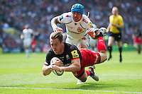Chris Wyles of Saracens dives for the try-line. Aviva Premiership Final, between Saracens and Exeter Chiefs on May 28, 2016 at Twickenham Stadium in London, England. Photo by: Patrick Khachfe / JMP