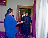 Actor Sean Penn walks past an unidentified autograph seeker as he attends the 1999 White House Correspondents Association Dinner at the Washington Hilton Hotel in Washington, D.C. on May 1, 1999.<br /> Credit: Ron Sachs / CNP