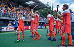 Den Bosch  - Oranje bedankt het publiek   na   de Pro League hockeywedstrijd heren, Nederland-Belgie (4-3).    COPYRIGHT KOEN SUYK