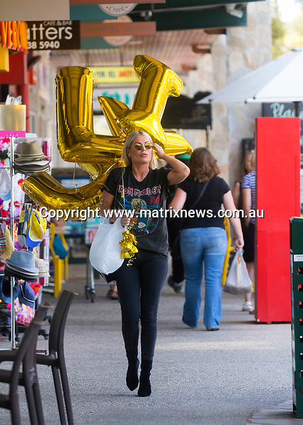 13 February 2018 Melbourne AUSTRALIA<br /> WWW.MATRIXNEWS.COM.AU<br /> <br /> EXCLUSIVE PICTURES<br /> <br /> Keira Maguire collects romantic balloons ahead of her first Valentines Day with her new man Jarrod Woodgate in Melbourne.