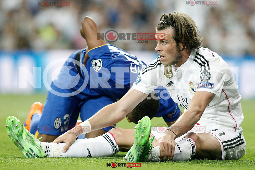 Real Madrid's Gareth Bale (r) and Juventus' Patrice Evra during Champions League 2014/2015 Semi-finals 2nd leg match.May 13,2015. (ALTERPHOTOS/Acero) /NortePhoto.COM