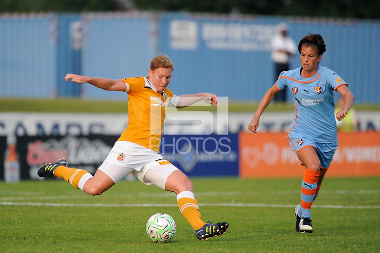 Lori Chalupny (17) of the Atlanta Beat. Sky Blue FC defeated the Atlanta Beat 1-0 during a Women's Professional Soccer (WPS) match at Yurcak Field in Piscataway, NJ, on June 22, 2011.