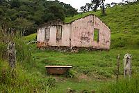 Bueno Brandao, Brasil...Construcao abandonada em Bueno Brandao...Abandoned construction in Bueno Brandao...Foto: LEO DRUMOND / NITRO