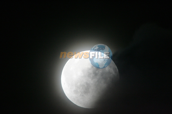 The Moon partial eclipse on Saturday evening 16th Auguat 2008...Photo: Fran Caffrey/ Newsfile.