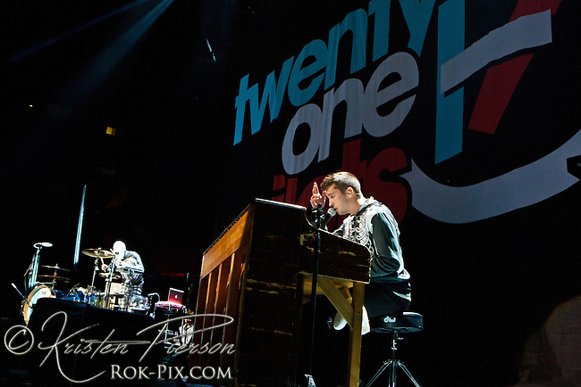 Twenty One Pilots perform at Mohegan Sun Arena September 5, 2013